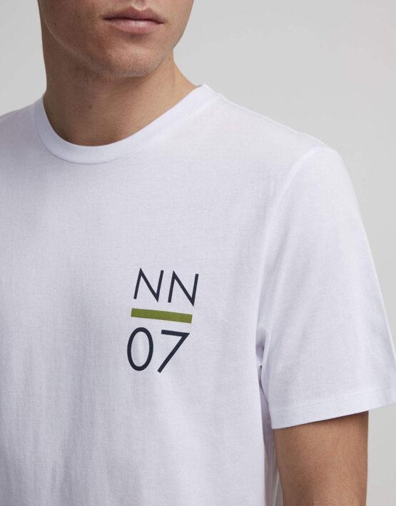 NN07 - Mauro Tee Print White 3422 | Gate 36 Hobro | Herretøj
