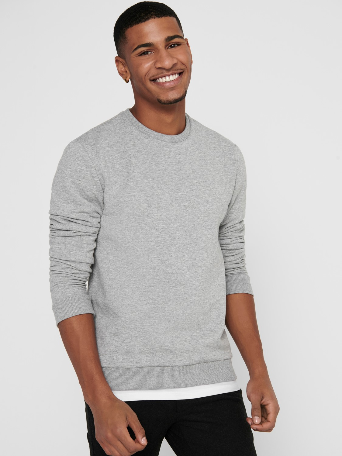 ONLY & SONS - ONSCERES CREW NECK GREY | GATE36 HOBRO