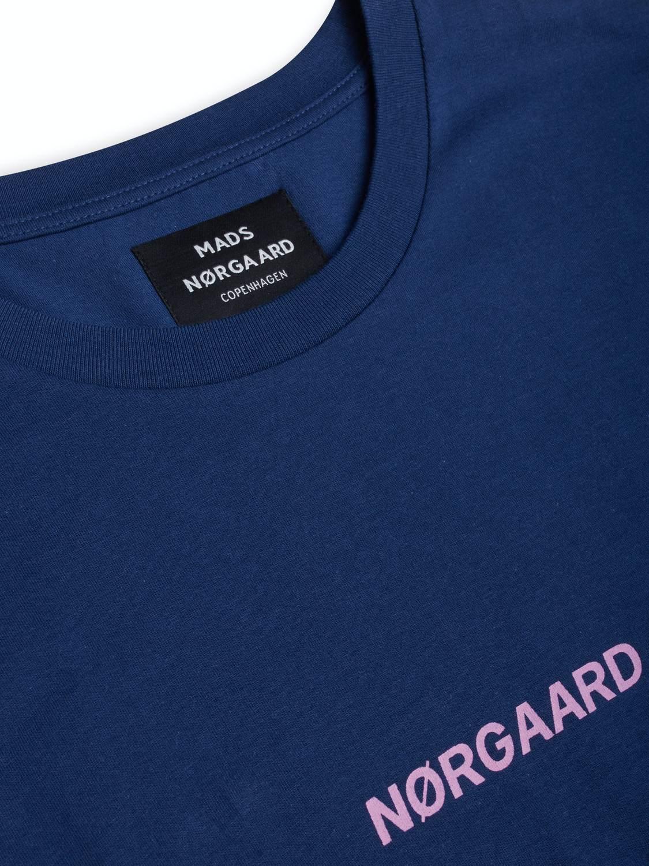 Mads Nørgaard T-shirt - Øko Logo Medieval Blue | GATE 36 Hobro